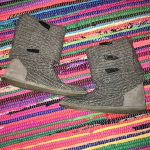 Shoes - Grey sweater boots